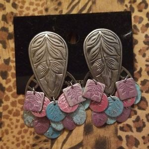 Vintage metal leaf shaped earrings